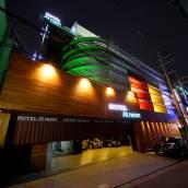 首爾中午酒店