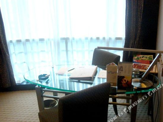 深圳999丹楓白露酒店(999 Royal Suites & TowersShenzhen)行政套房