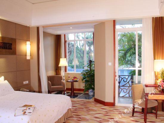 三正半山酒店(東莞橋頭店)(Goodview Hotel (Dongguan Qiaotou))親水區E座池畔商務大床房