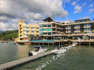 巴拉望兩季科倫灣畔酒店(Two Seasons Coron Bayside Hotel Palawan)