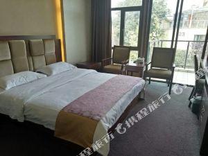 羅平湖畔酒店