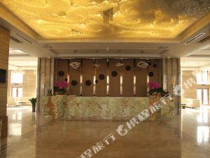 白銀金海緣酒店