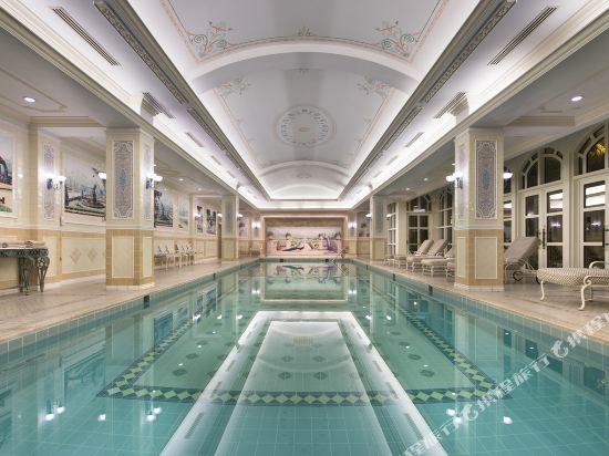 香港迪士尼樂園酒店(Hong Kong Disneyland Hotel)室內游泳池