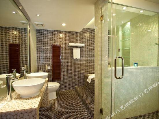 深圳鴻隆明華輪酒店(Cruise Inn)船長套房