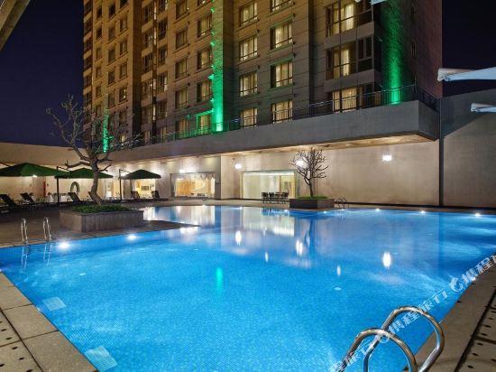 東莞石碣富盈酒店(Cinese Hotel Dongguan Shijie)室外游泳池