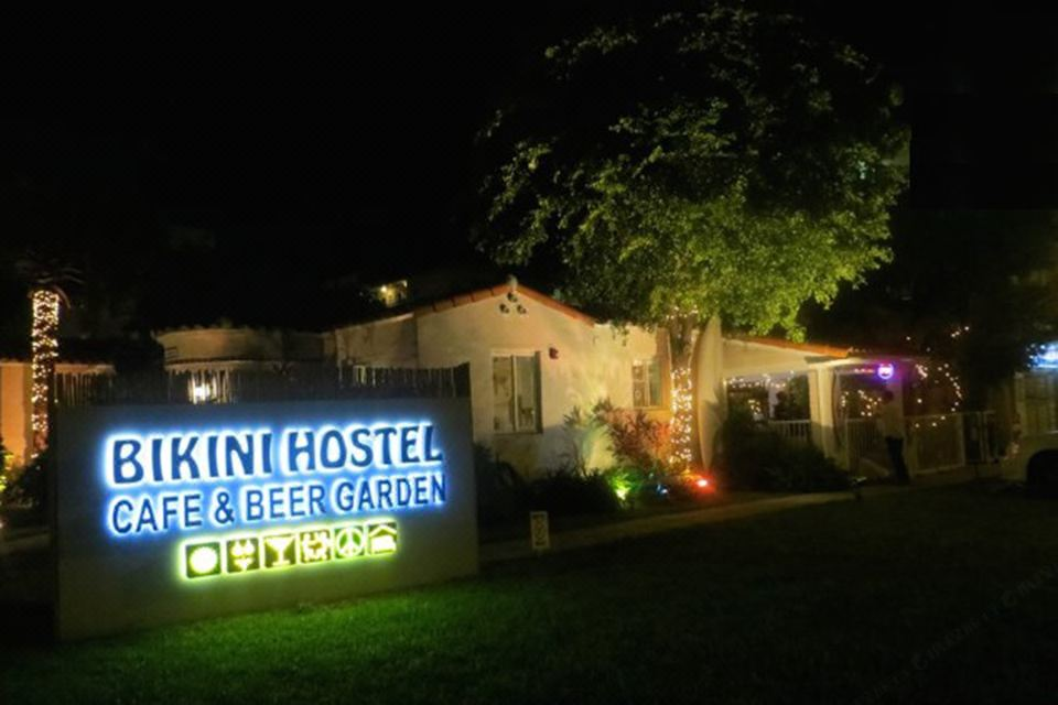 And GardenHotel Reviews HostelCafeamp; Room Bikini Beer Rates ED9IWH2Y