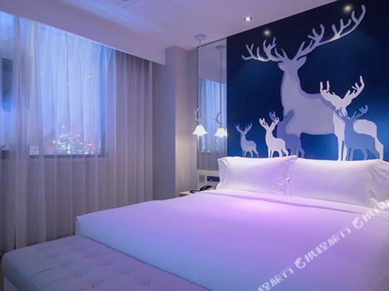 桔子酒店·精選(昆明翠湖店)(Orange Hotel Select (Kunming Green Lake))促銷大床房
