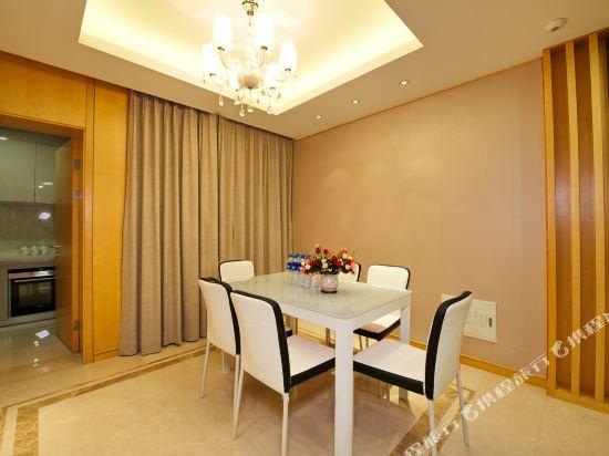 泰萊尚寓度假公寓(珠海海洋王國口岸店)(Tailai Shangyu Holiday Apartment (Zhuhai Ocean Kingdom Port))現代風尊享奢華四房套房