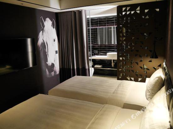 台北德立莊酒店-昆明館(Hotel Papa Whale)舒適雙床房(無窗)