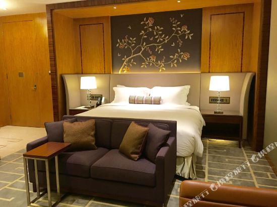 香港帝苑酒店(The Royal Garden Hotel)天際豪華客房
