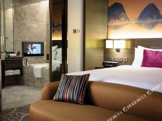 香港九龍東皇冠假日酒店(Crowne Plaza Hong Kong Kowloon East)都會豪華客房