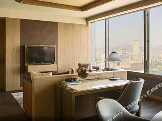 香港萬麗海景酒店(Renaissance Harbour View Hotel Hong Kong)王朝套房