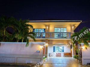 喬木提恩現代泳池別墅酒店(The Jomtien Modern Pool Villa)