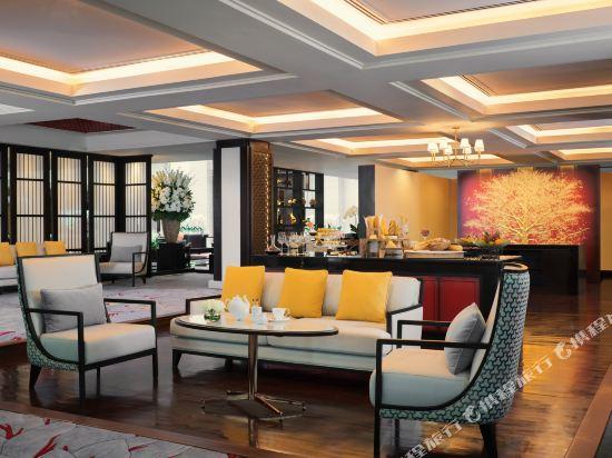 曼谷河畔安納塔拉度假酒店(Anantara Riverside Bangkok Resort)大堂吧