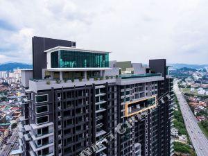 豪華四室公寓@無邊天空泳池(4R Luxury Duplex @ Infinity Sky Pool)