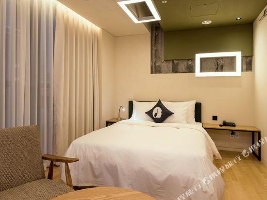 首爾設計者酒店東大門店(Hotel the Designers Dongdaemun Seoul)設計師豪華大床房