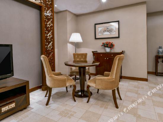 佛山高明碧桂園鳳凰酒店(Gaoming Country Garden Phoenix Hotel)豪華大床套房