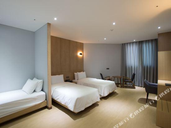 諾克拉米亞酒店(Notte La Mia)豪華三人房