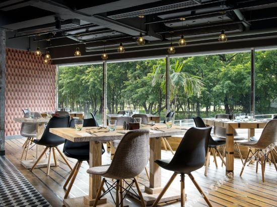 香港柏寧鉑爾曼酒店(The Park Lane Hong Kong a Pullman Hotel)咖啡廳