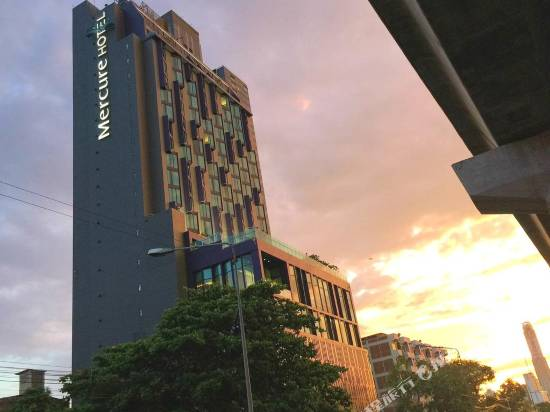 曼谷麥卡桑美居酒店