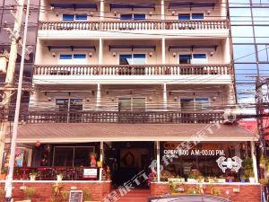 芭堤雅池拉克斯旅館(The Chillax Pattaya)