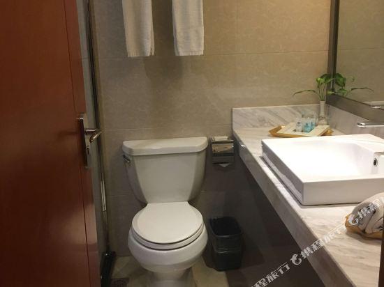 昆明龍騰大酒店(Kunming Long Teng Hotel)舒適大床房