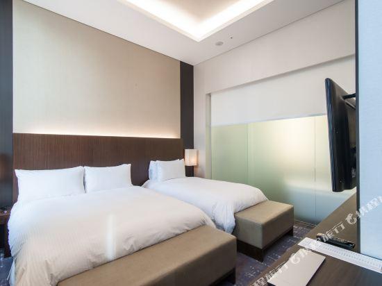 首爾喜來登帕拉斯江南酒店(Sheraton Seoul Palace Gangnam Hotel)尊尚行政套房(大床+單人床)