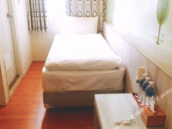 台北西門町旅行箱MiniBox旅店(Minibox Hotel)三人房