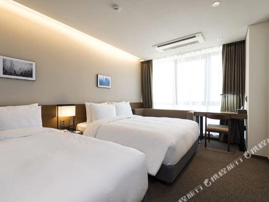 釜山海雲台温德姆華美達安可酒店(Ramada Encore by Wyndham Busan Haeundae)家庭雙床房