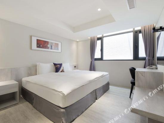 台中愛戀旅店(Amour Hotel)高級雙人房