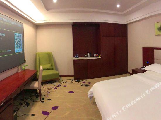 百合酒店(佛山樂從天佑城店)(原畔灣店)(Bai He Hotel (Foshan Lecong Tianyoucheng))2K影視大床房