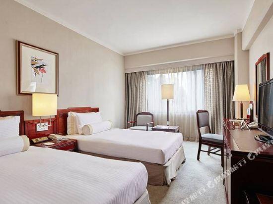 台北福華大飯店(Howard Plaza Hotel)高級雙床房