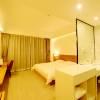 瓊中萬山紅酒店