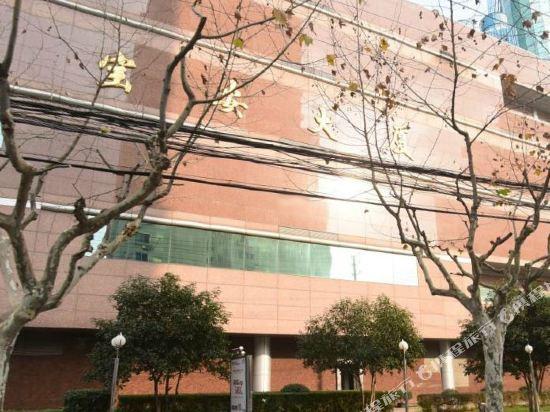 上海寶安大酒店外觀
