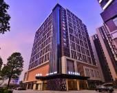 廣州白雲機場桔子水晶酒店