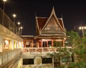 曼谷D&D旅館