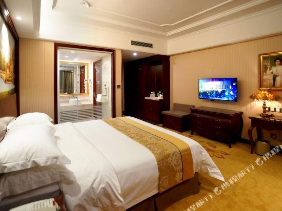 維也納國際酒店(上海浦東機場自貿區店)(Vienna International Hotel (Shanghai Pudong Airport Free Trade Zone))豪華大床房