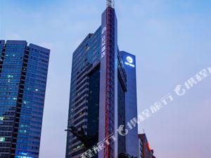 深圳南山海岸城亞朵酒店