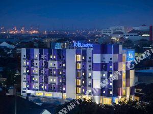 三寶攏騰盯宜必思快捷酒店(Ibis Budget Semarang Tendean)
