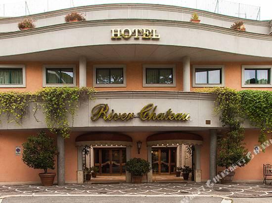 河畔城堡酒店