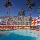 棕櫚泉瑟括洛酒店(The Saguaro Palm Springs)