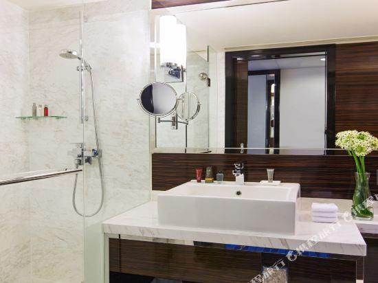 香港天際萬豪酒店(Hong Kong SkyCity Marriott Hotel)豪華客房