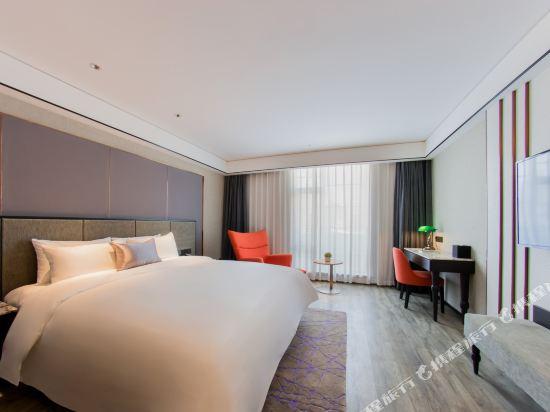 和頤至尊酒店(上海南京路步行街店)(Yitel Premium (Shanghai Nanjing Road Pedestrian Street))至尊高級景觀大床房