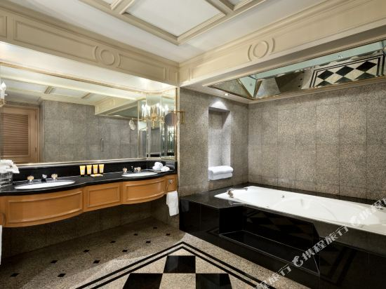 曼谷香格里拉酒店(Shangri-La Hotel Bangkok)曼谷樓特色套房
