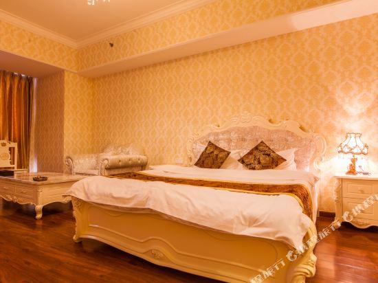 星倫萬達廣場主題公寓(廣州長隆店)現代主題式大床房