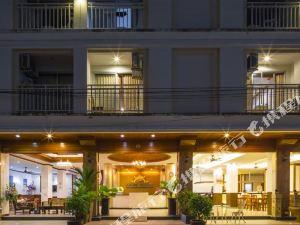 普吉島阿側普吉酒店(Azure Phuket Hotel)