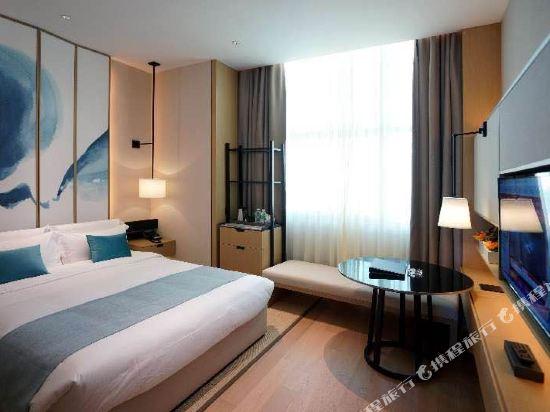 雲和夜泊酒店(上海國際旅遊度假區野生動物園店)(Yun He Ye Bo Hotel (Shanghai International Tourist Resort Wild Animal Park))豪華大床房