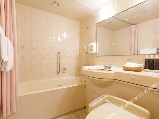 大阪新阪急酒店別館(New Hankyu Hotel Annex)四人房