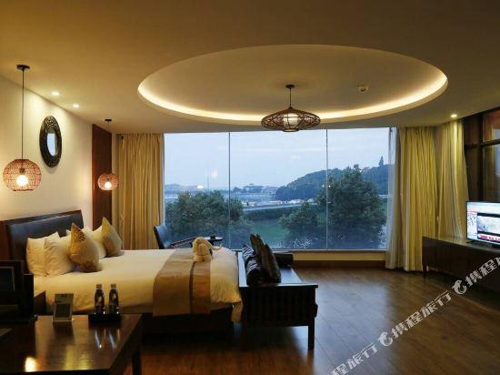 天目湖御湖半島温泉酒店(The Peninsula of Royal Lake Hotels)至尊豪華景觀大床房
