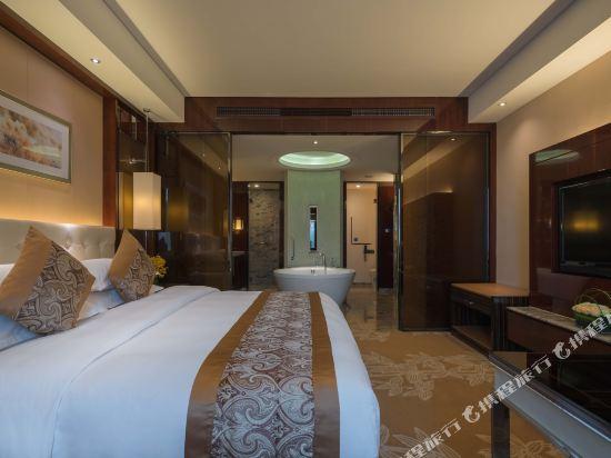 常州福記逸高酒店(Happiness Hotel)豪華大床房